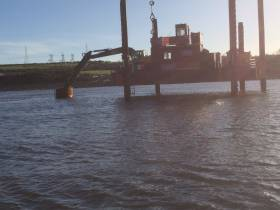 Jack-Up barge working on Shannon River Crossing project