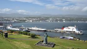Afloat adds the scene above shows the Isle of Man Steam Packet fleet docked in Douglas including ro-ro freight ferry Arrow. The operator resumed seasonal sailings at Easter to Dublin and Belfast while maintaining routine Manx-England services.