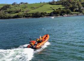 A 15m cruiser struck rocks and started to rapidly take on water off Glandore Harbour in West Cork