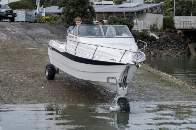 The Terminator 755 is the first 100% fiberglass model released with Sealegs that does not feature the Hypalon or Aluminium pontoons