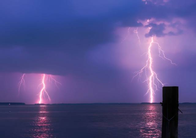 Shock Video Shows What Happens When A Sailboat Is Struck By Lightning