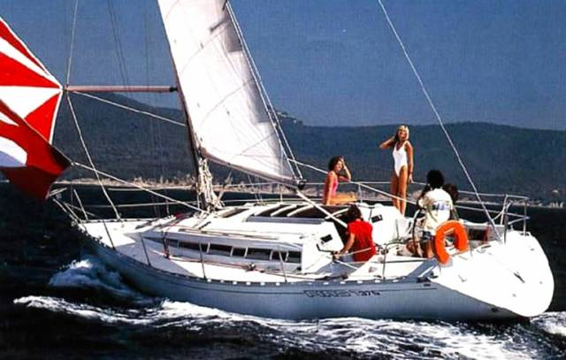 When the First 375 first appeared in 1985, she was very much in the forefront of yacht design, and now her good looks have acquired a classic status