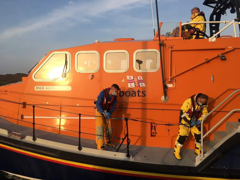 Baltimore RNLI crew prepare to launch