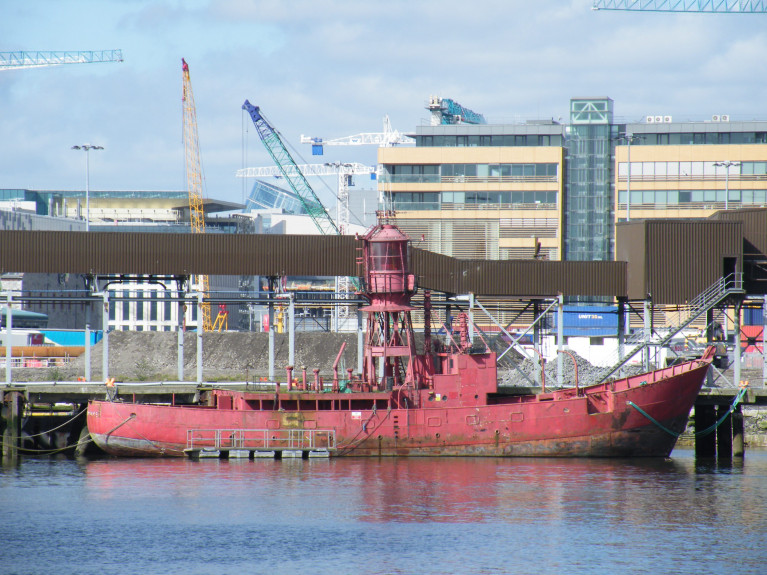 The former lightship ALF Kittiwake that last served on station off the Co. Down coast, was withdrawn by Irish Lights in 2005. The vessel however remains berthed in Dublin Port's Alexandra Basin. In AFLOAT's above file photo, Kittiwake is within the Basin alongside the now demolished Bulk Jetty (Boliden Tara Mines) but replaced with a new terminal at the entrance of Dublin Dry Docks that closed in 2016.