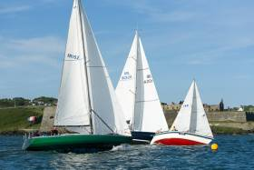 Racing at KYC's Bertoletti Trophy Race last night in Kinsale. Scroll down for Bob Bateman's photo gallery