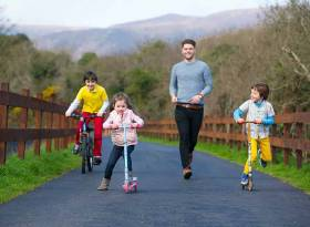 Pictured on the Waterford Greenway ahead of the official opening of the longest off-road walking and cycling experience in Ireland is Mayor of Waterford, Cllr Adam Wyse along with Joshua Moran-Davy (10), Leah Moran-Saunders (5) and Reuben Moran-Davy (7) from Passage East, Co Waterford