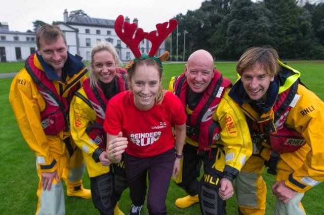 Derval O'Rourke joined RNLI volunteers at the launch of 2016's Reindeer Runs