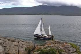 The IWDG's Celtic Mist heading into Fenit after surveying in Brandon and Tralee Bays