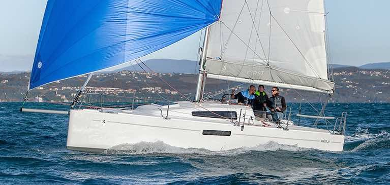 The new seventh generation First 27, a family day sailor from Beneteau