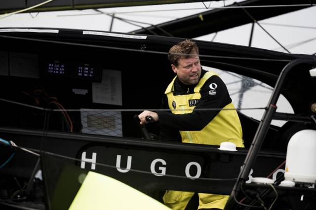 Alex Thomson is making his lone northerly option pay as he continues to lead the IMOCA fleet