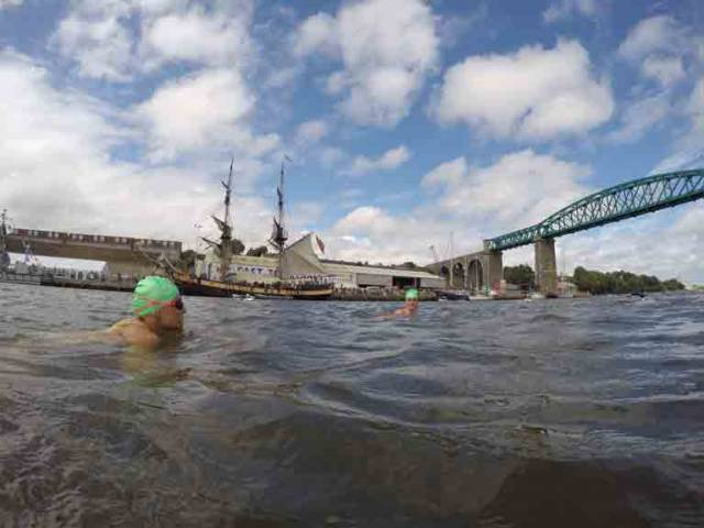 200+ competitors will take to the river Boyne to swim the 2.7km tidal route