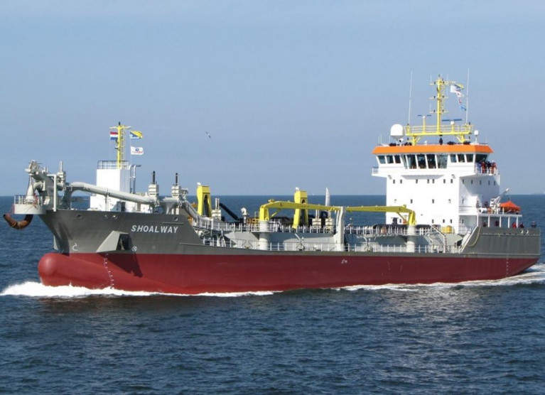Irish Dredging which is a a subsidiary of Royal Boskalis Westminster nv, has the use of their trailing suction hopper dredger Shoalway which is currently conducting operations on the Waterford Estuary.