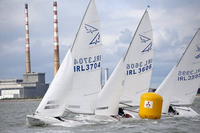 The Flying Fifteen fleet turned out in good numbers with 16 boats competing on the new DBSC Green course