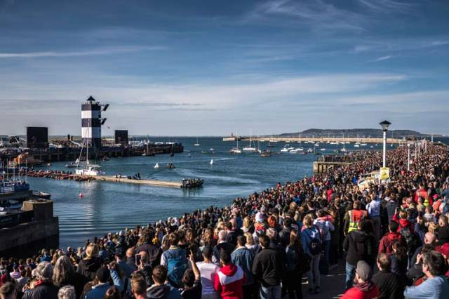 Red Bull Cliff Diving World Series Attracts 145,000 in Dun Laoghaire