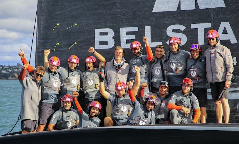 Sir Ben Ainslie's team won their the fifth race in a row in the Round Robins