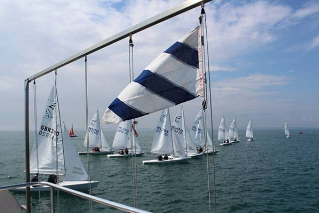 17 Flying Fifteens turned out for Saturday's DBSC race