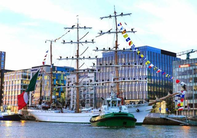 Mexican Tall Ship Arrives in Dublin