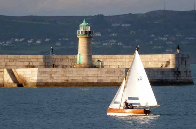 Nin O'Leary & Alex Thomson Share The Stage with History in Dun Laoghaire