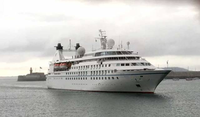 The small cruise ship Star Legend (212 guests) arrives into Dun Laoghaire Harbour