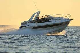 The Jeanneau Leader 30 sportsboat