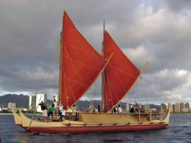 The Hōkūle'a sailing in Hawaii in 2009