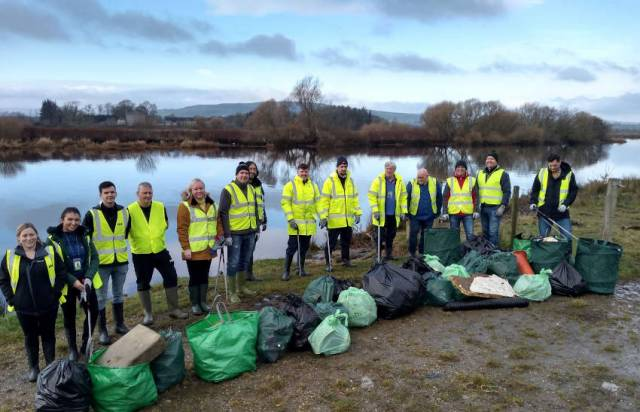 Volunteers Pitch In To Help Clean Up River Foyle