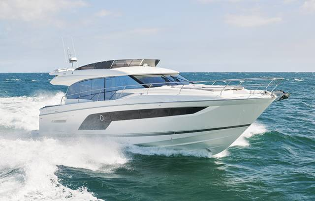 The new Prestige 590 at sea