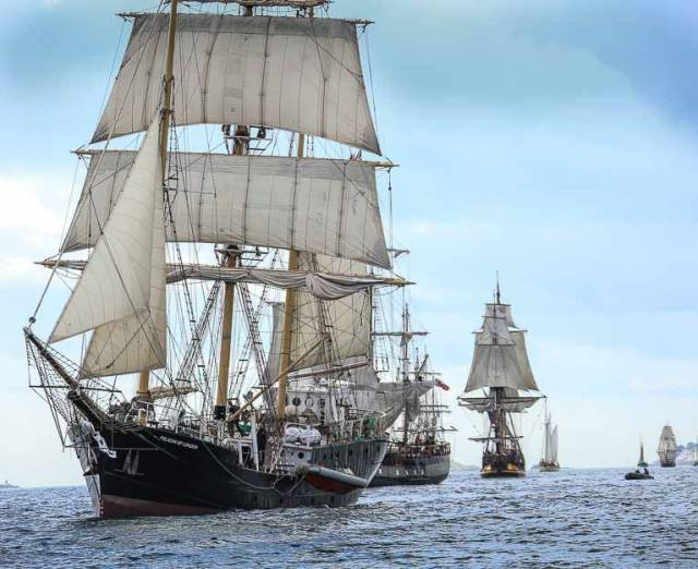 The departing Dublin Tall Ship fleet should be viewable off Dun Laoghaire from 1pm today