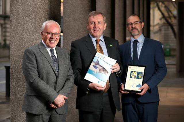 Marine Minister Receives Marine Institute's Annual Stock Book For 2019