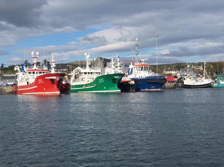 The fisheries negotiations have been stalled with the EU seeking to retain as much access to UK waters as possible. AFLOAT adds trawlers berthed at Castletownbere, Co. Cork along with the blue hulled 62 ton bollard pull tug Ocean Challenger operated  by Atlantic Marine & Towage.