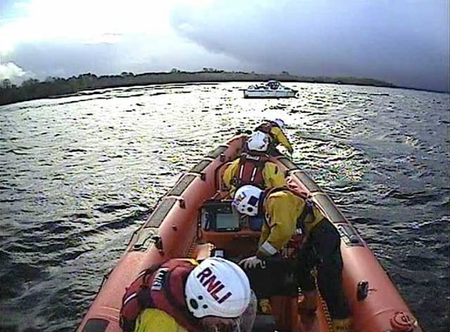 Lough Derg RNLI rescue the grounded cruiser