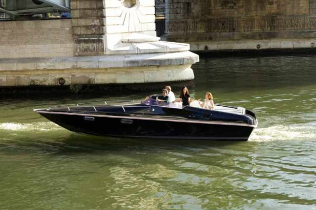 Black Swan is First All-Electric Passenger Boat Powered by 'Second Life' Batteries