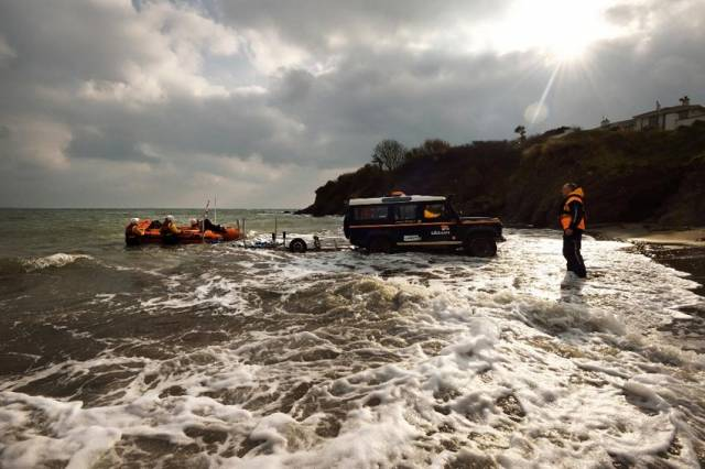 Fethard RNLI & Community Rescue Effort After Inflatable Drifts Out To Sea