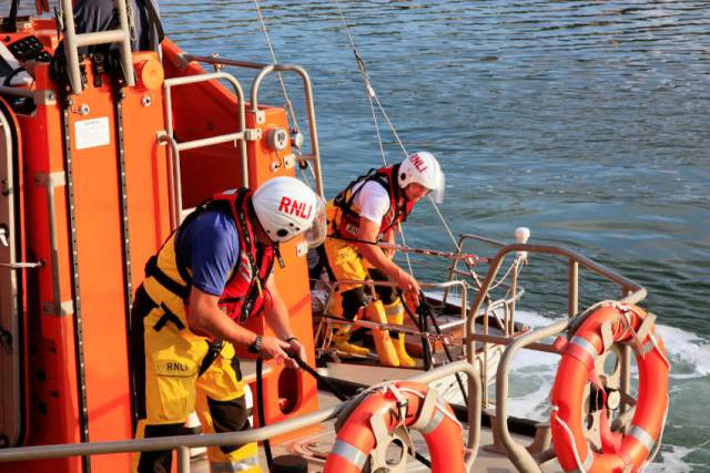 Wicklow Lifeboat Rescues Two Sailors On Yacht With Engine Failure