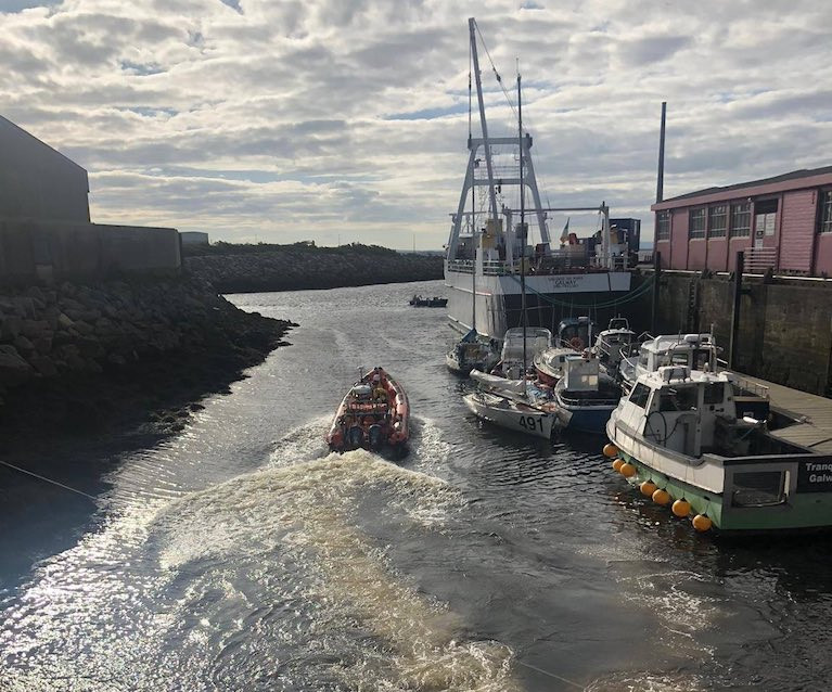 Dismasted Yacht Rescued in Galway Bay By RNLI