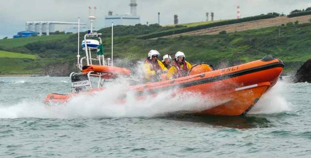 Man Bitten by Shark Medevac by RNLI Crosshaven