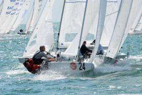 Prof and his Star partner Ben Cooke leading the first race at the 2007 Bacardi Cup in Miami