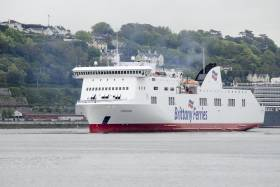 The chartered Connemara contributed to boosting Brittany Ferries Cork-Roscoff (Ireland-France) route as the operators strongest performing of the company's network of 12 routes that collectively also links those between the UK, France and Spain. AFLOAT adds the Cypriot flagged Connemara arriving to Cork (Ringaskiddy). In the background the stern of a Cunard Line 'Vista' class cruiseship that called to Cobh.