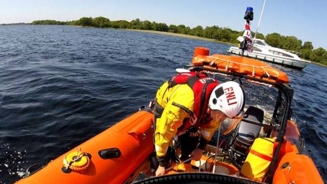 Four people were assisted by Lough Ree RNLI Volunteers when their boat got stuck on rocks