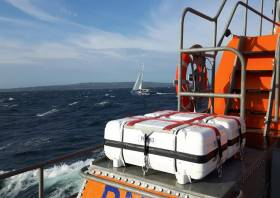 Aran Islands RNLI approaching the yacht off Gorumna Island