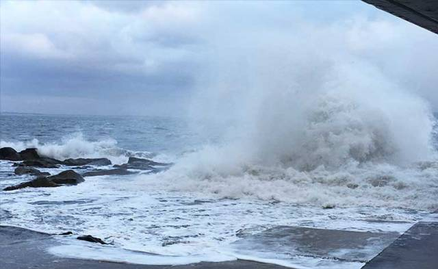Winds gusted to over 50mph at Dun Laoghaire