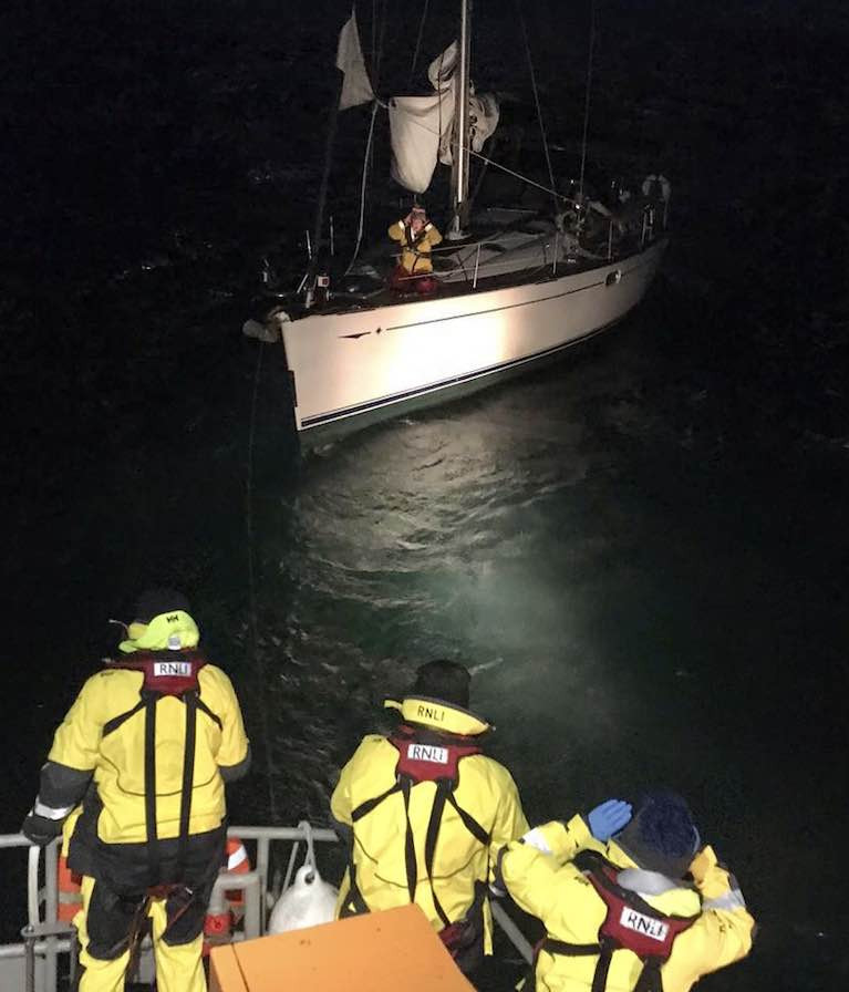 Courtmacsherry RNLI Lifeboat in Call Out to 50ft Yacht in Difficulties off the Old Head of Kinsale