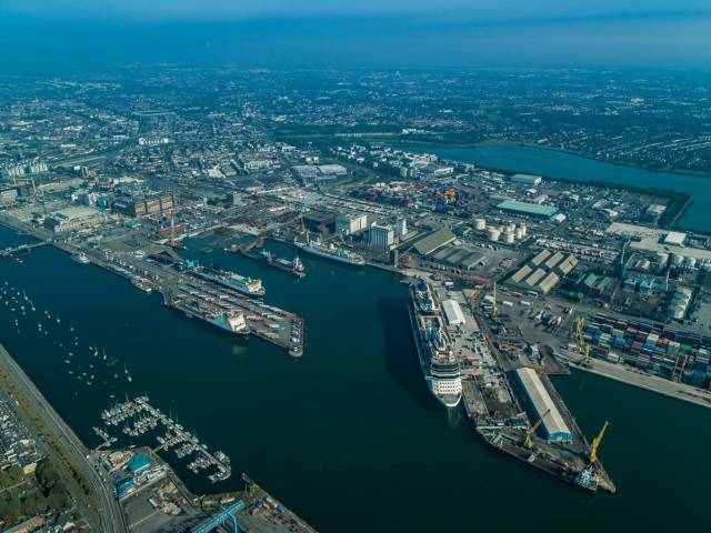Two projects within the Alexandra Basin Redevelopment (ABR) in Dublin Port have been shortlisted for the 'Engineering Project of the Year'. Members of the Irish public are invited to cast their votes - see details and deadline below.