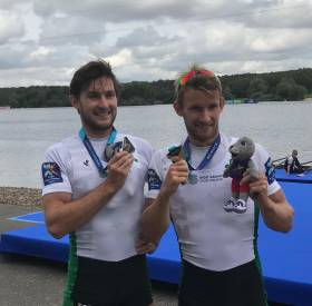 Paul and Gary O'Donovan with their European silver medals at Strathclyde Park