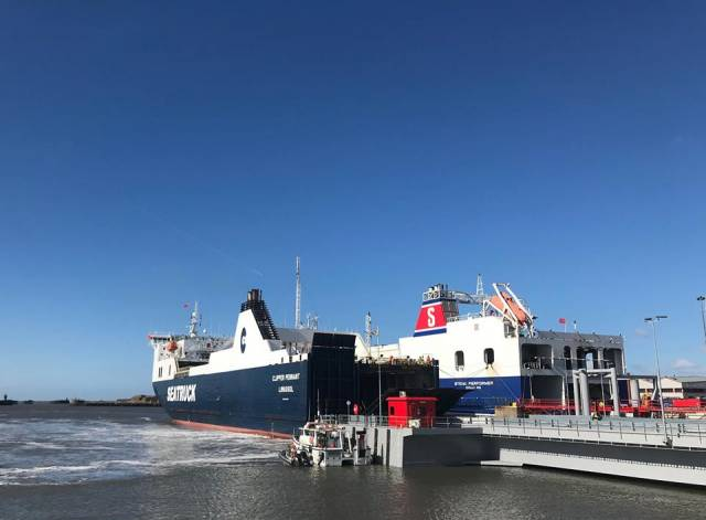 Heysham Port's newly installed £10m ro-ro ramp linkspan (berth No.2) in use by Seatruck Ferries Clipper Pennant. At the adjacent ramp berth No.3 is the Seatruck owned Stena Performer which is on charter to Stena Line.