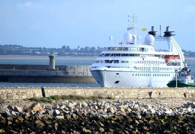 Star Pride arrives in Dun Laoghaire Harbour accompanied by The Dublin Port Tug Beaufort on her port bow