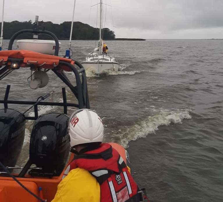 Lough Neagh Lifeboat Rescues Two on Yacht with Mechanical Difficulties