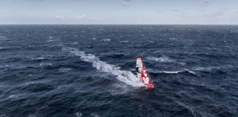 Sam Davies' Vendee Globe Yacht Hits Floating Object & Damage Assessment Underway