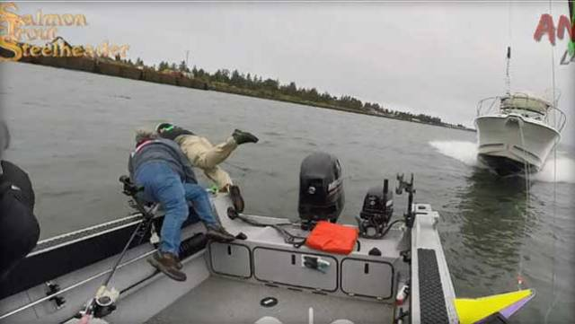 Anglers Narrow Escape in Motorboat Crash VIDEO