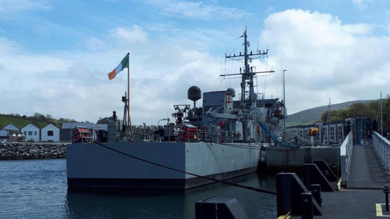 LÉ Ciara failed to leave port on 30 December but eventually did so on 1 January due to illness/injury of crew members. AFLOAT adds the Coastal Patrol Vessel (CPV) became the first Naval Service vessel to berth at the new marina (as above) in Bantry, Co. Cork during a call last year.